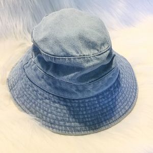 f1eab31476db4 dog daze Accessories - Denim bucket hat dog daze brand EUC